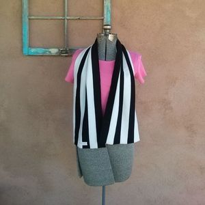1960s Black and White Wool Scarf